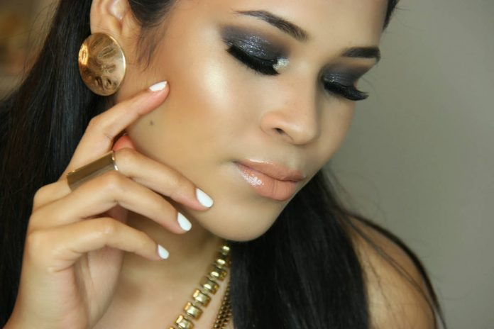 Model - Hairstyles and Makeup India - Spas and Salons India