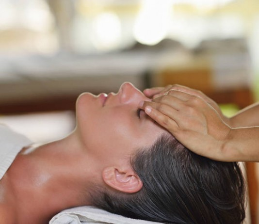 Relaxing Massage Videos - Spas and Salons India